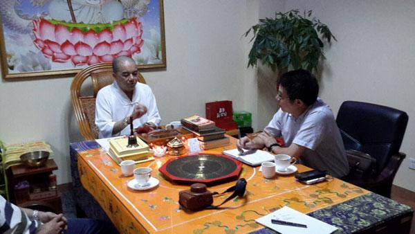 人民日报数字传媒曾副总专程采访菲律宾白龙王许少锋