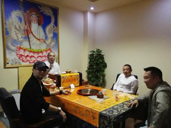 中国艺术学会陈江与正娱传媒总经理马超拜访现任菲律宾白龙王许少锋
